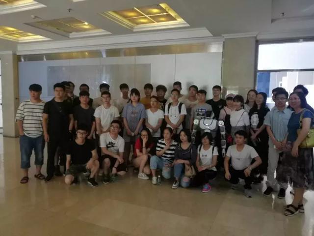 北京联合大学师生到钢铁侠科技认识实习