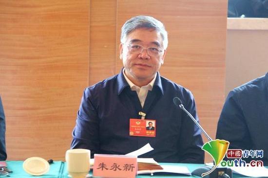 """朱永新:学习类APP进校园应避免""""一刀切""""式监管"""